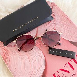 NWT QUAY Sunglasses Gold Rope Frame